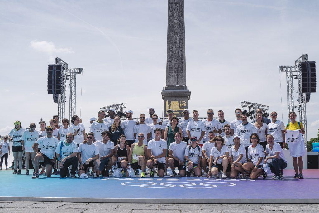 Remise des premiers dossards pour le marathon grand public de Paris 2024